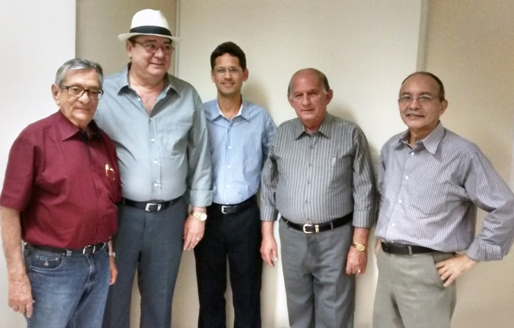 Visita do conselheiro Artur Cunha Lima ao hospital