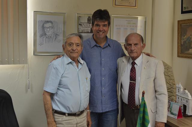 EX Deputado Ruy Carneiro visita o Hospital Laureano