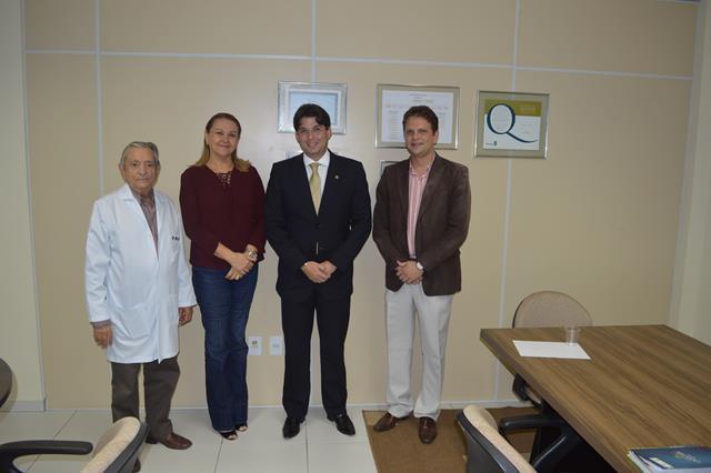 Vereadores de João Pessoa visitam o Hospital Napoleão Laureano
