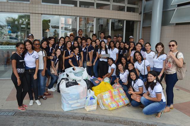 Professora e alunos da cidade de Itapororoca visitam o Hospital Napoleão Laureano