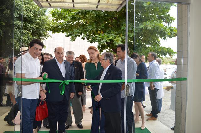 Hospital Napoleão Laureano inaugura reforma de seu serviço de urgência