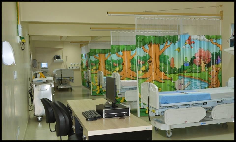 Ministério da Saúde habilita os 3 leitos de ampliação da UTI – Adulto e os 06 leitos da UTI – Pediátrica da instituição.
