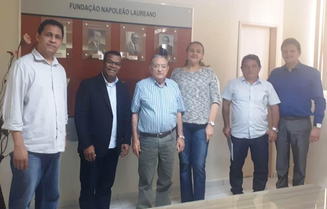 Vereador visita o Hospital Napoleão Laureano