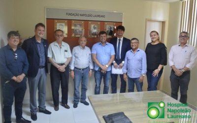 Com mais de 570 pacientes em tratamento no Laureano, prefeito de Cabedelo firma convênio