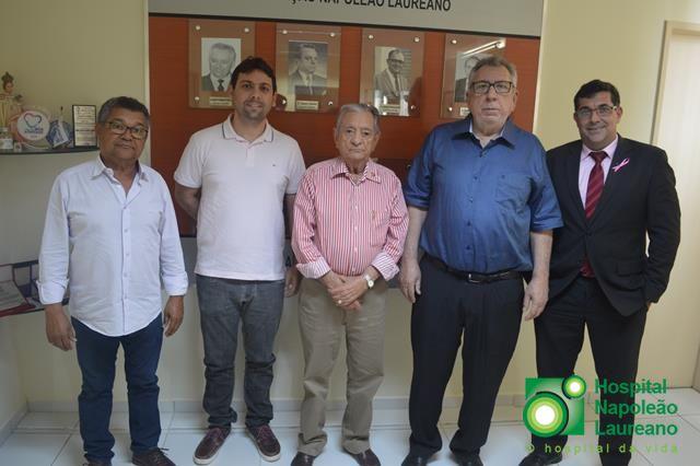 Prefeito de Brejo dos Santos Dr. Laurí, firma convênio para ajudar o Hospital Napoleão Laureano