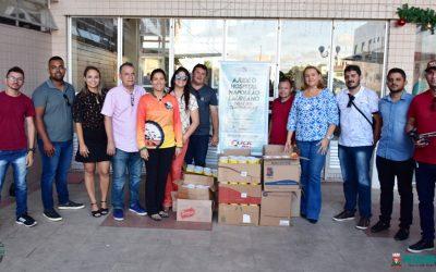 Equipe da Prefeitura de Pilõezinhos faz entrega de quase 300 latas de leite ao Napoleão Laureano
