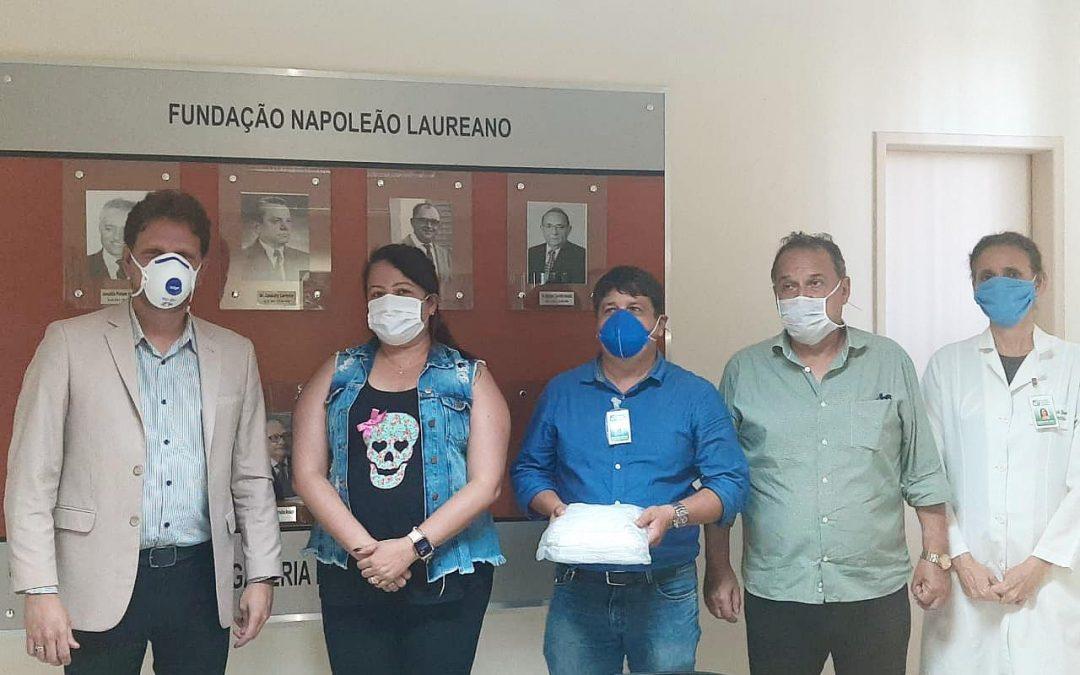 Hospital Napoleão Laureano recebe doações de máscaras produzidas por detentas
