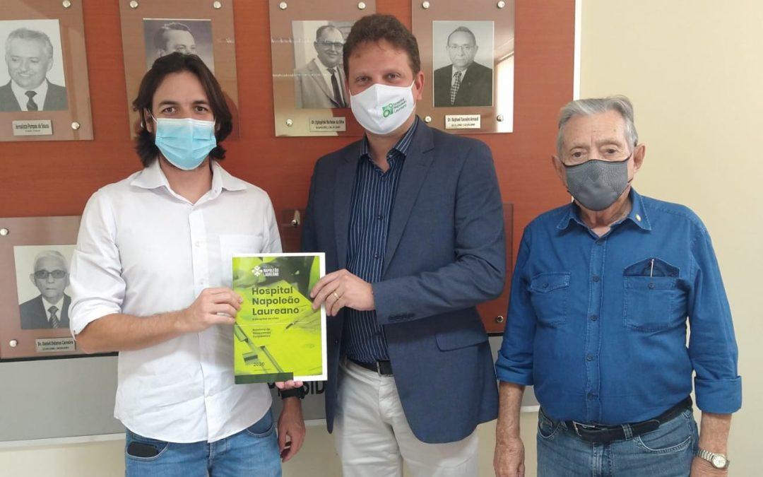 Pedro Cunha Lima reitera apoio ao Hospital Laureano